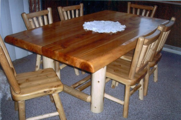 explore rustic log dining game roon table sets. Black Bedroom Furniture Sets. Home Design Ideas